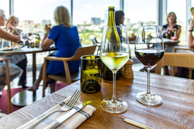 オーストラリア チップ 高級レストラン