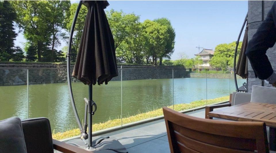 テラスのあるレストラン パレスホテル東京グランドキッチン