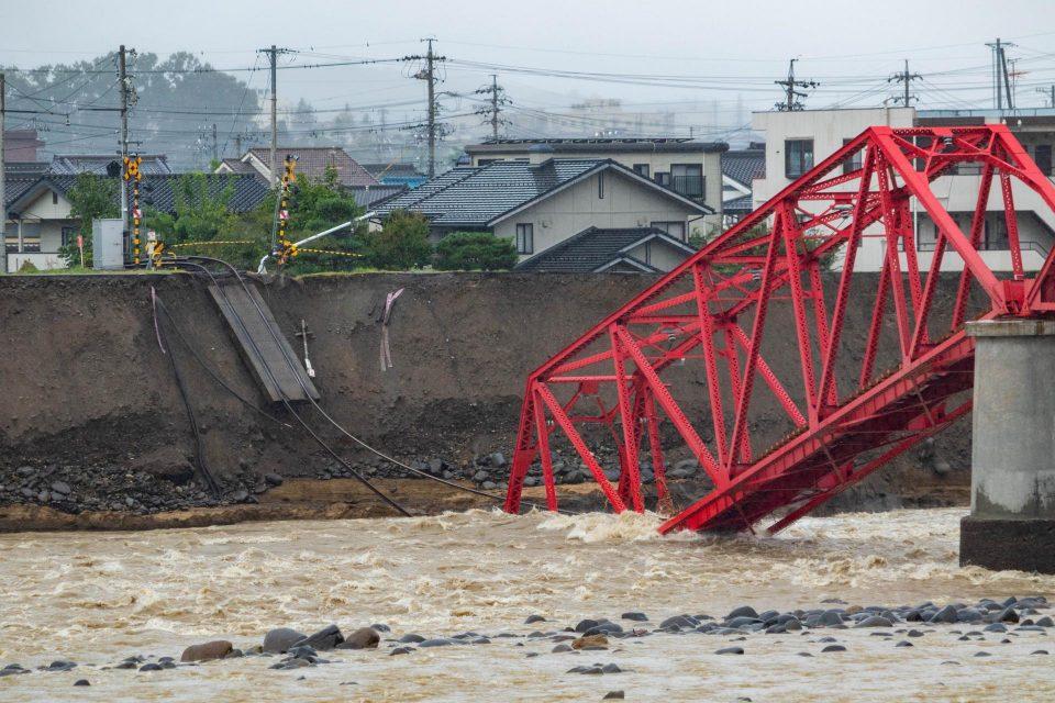 2019年10月の台風で千曲川橋梁が落下
