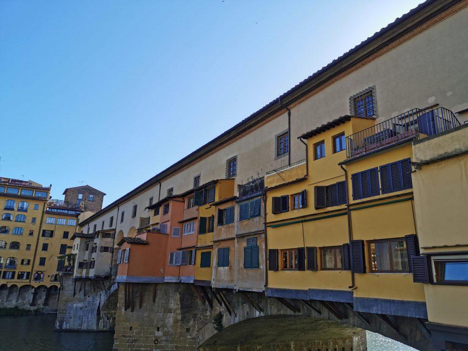 フィレンツェ ベッキオ橋 ヴァザーリの回廊