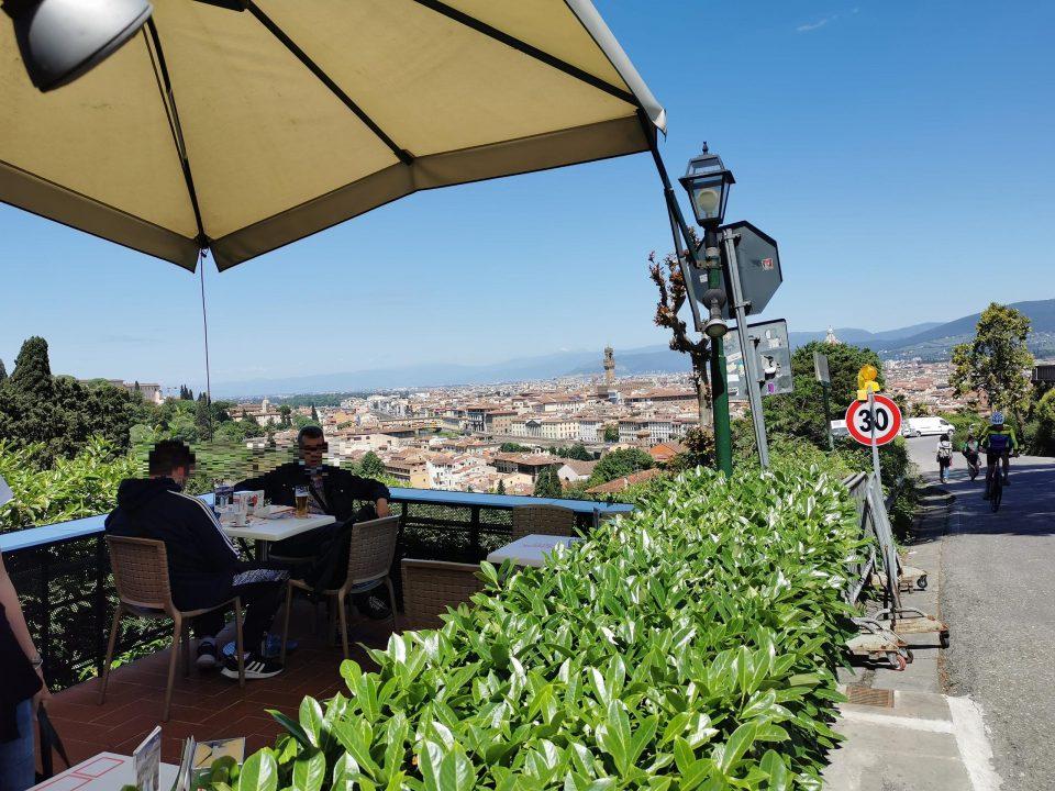フィレンツェ ミケランジェロ広場 ドゥオモが見えるカフェ