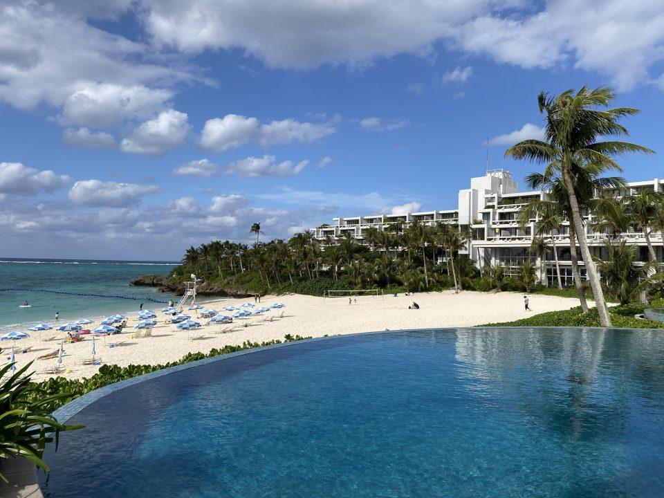 ムーンビーチホテルのプール