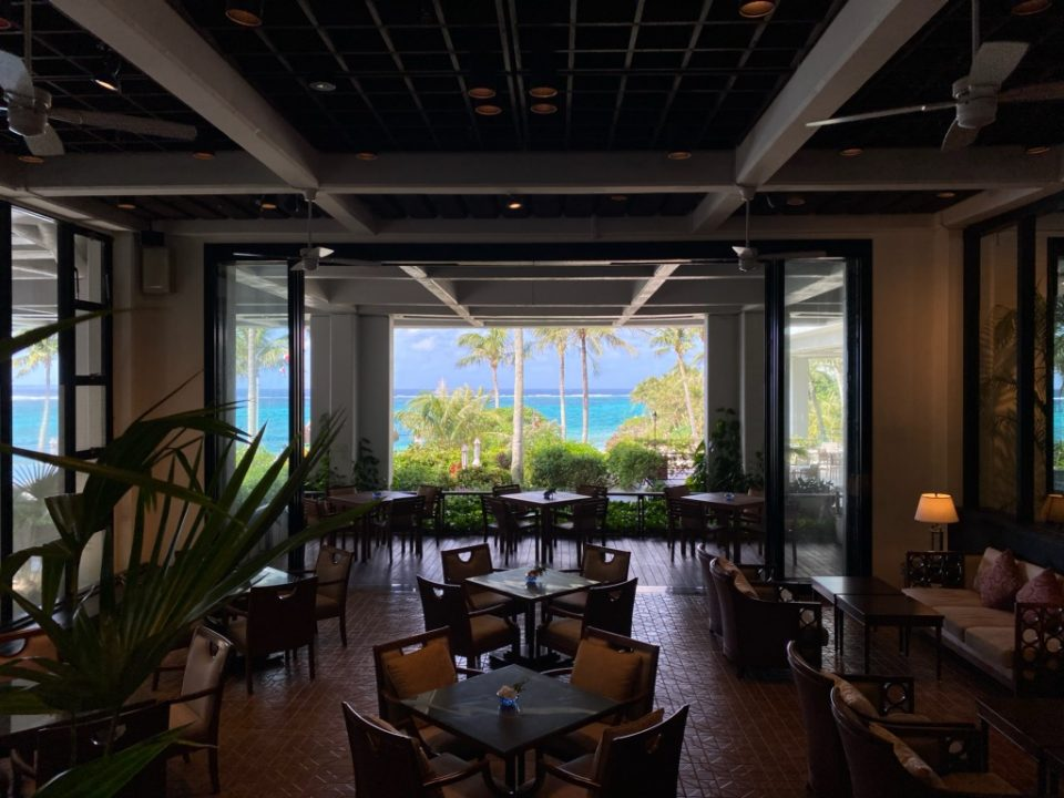 ムーンビーチホテルのクラブラウンジ