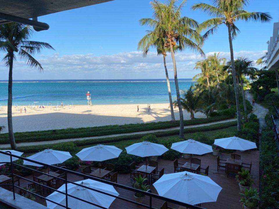 ムーンビーチホテルのダイニングからの眺め