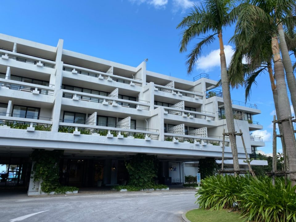 ムーンビーチホテルの外観