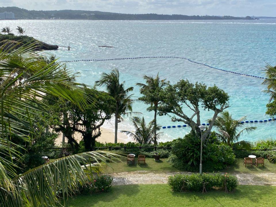 ムーンビーチホテルの客室からの眺め