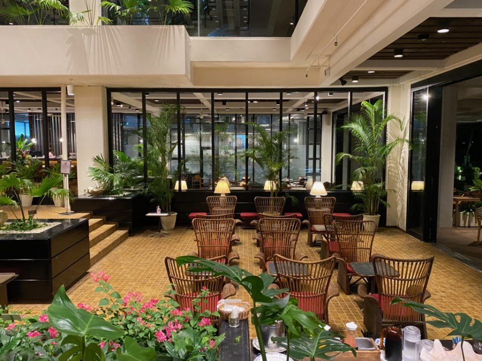 ムーンビーチホテルのロビー