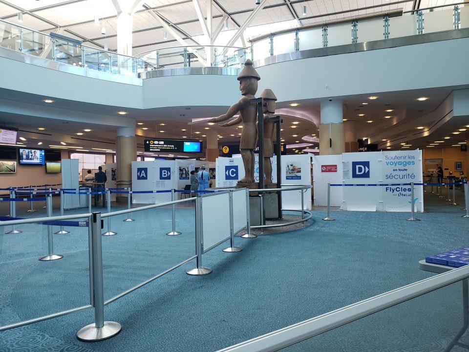 バンクーバー国際空港 入国