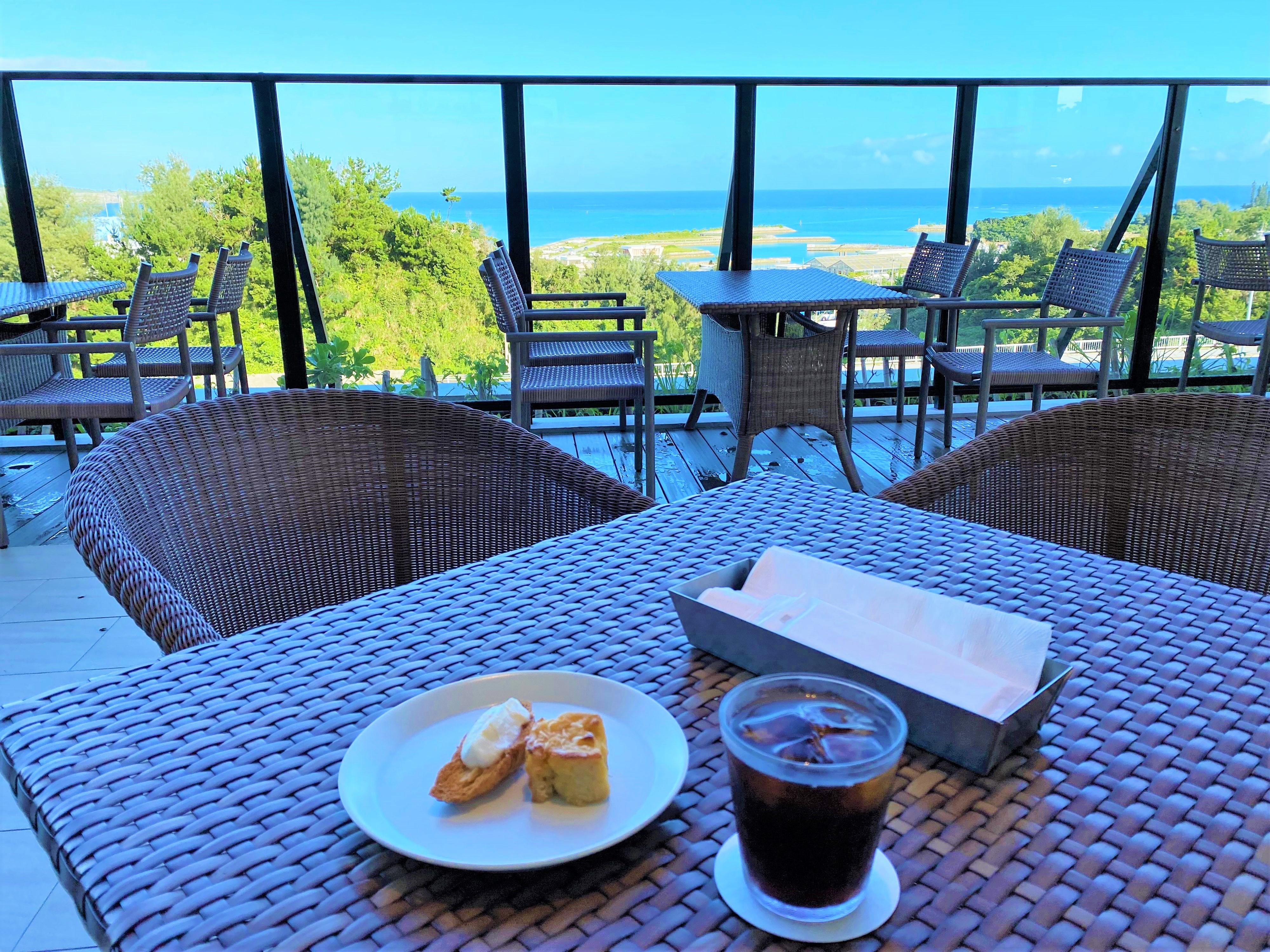 HIYORIオーシャンリゾート沖縄 朝食 テラス