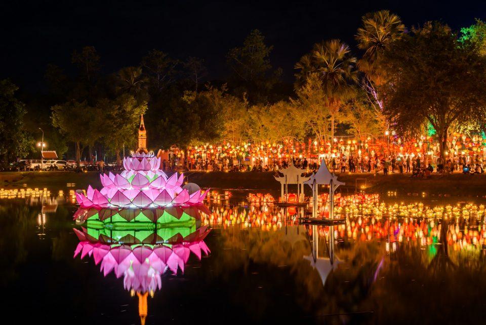 タイ人気のお祭り スコータイ ロイクラトン