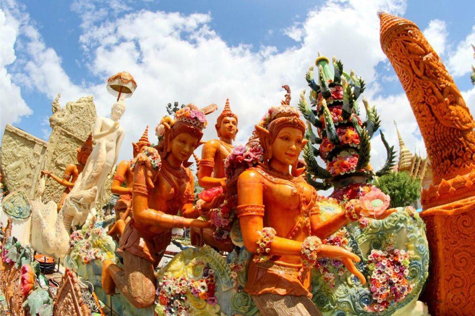 タイ キャンドルフェスティバル(ろうそく祭り)