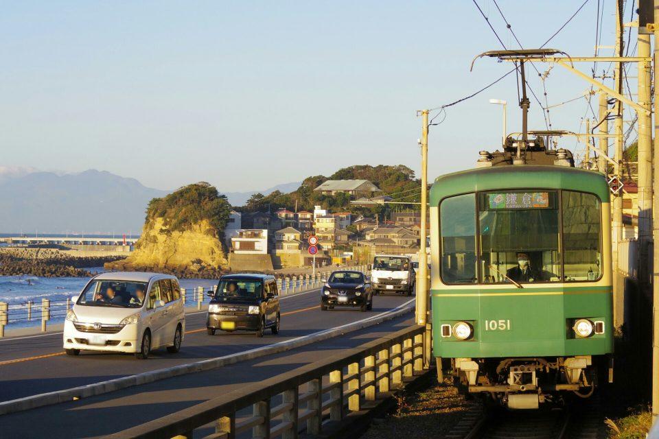 江ノ電鎌倉高校前駅付近での朝の1枚