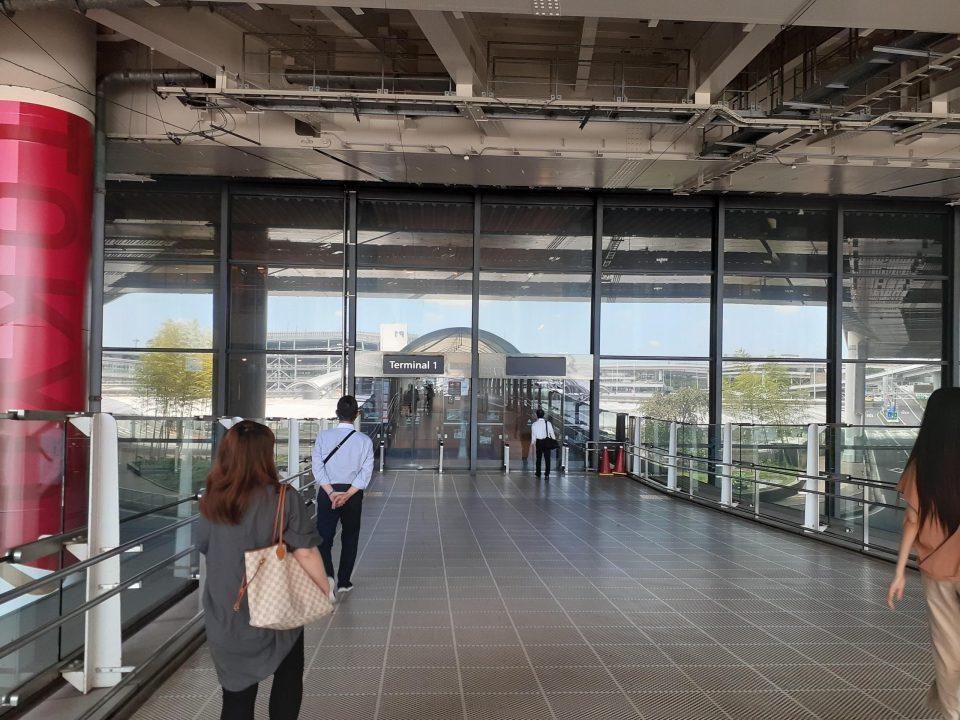 コロナ 成田空港第一ターミナル