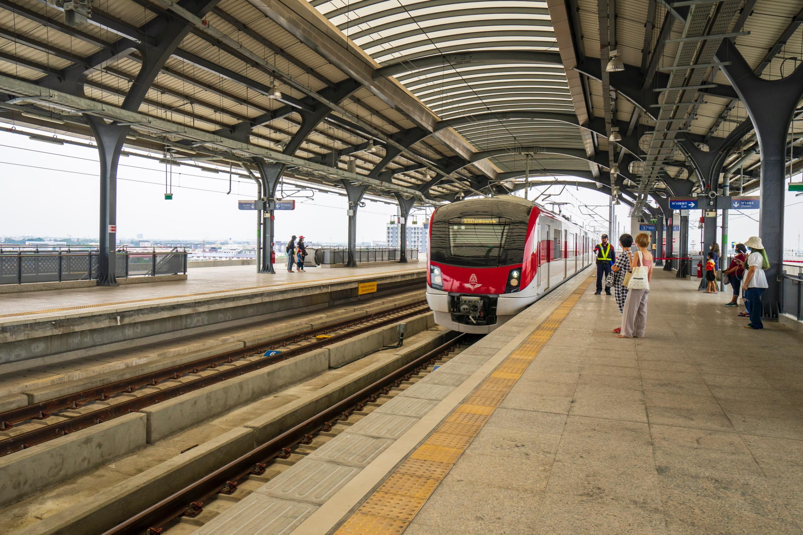 ドンムアン空港からレッドライン乗換や路線図